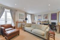 3 bedroom Flat in Onslow Square, SW7