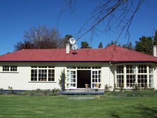 5 bedroom property in Burkes Pass 7999