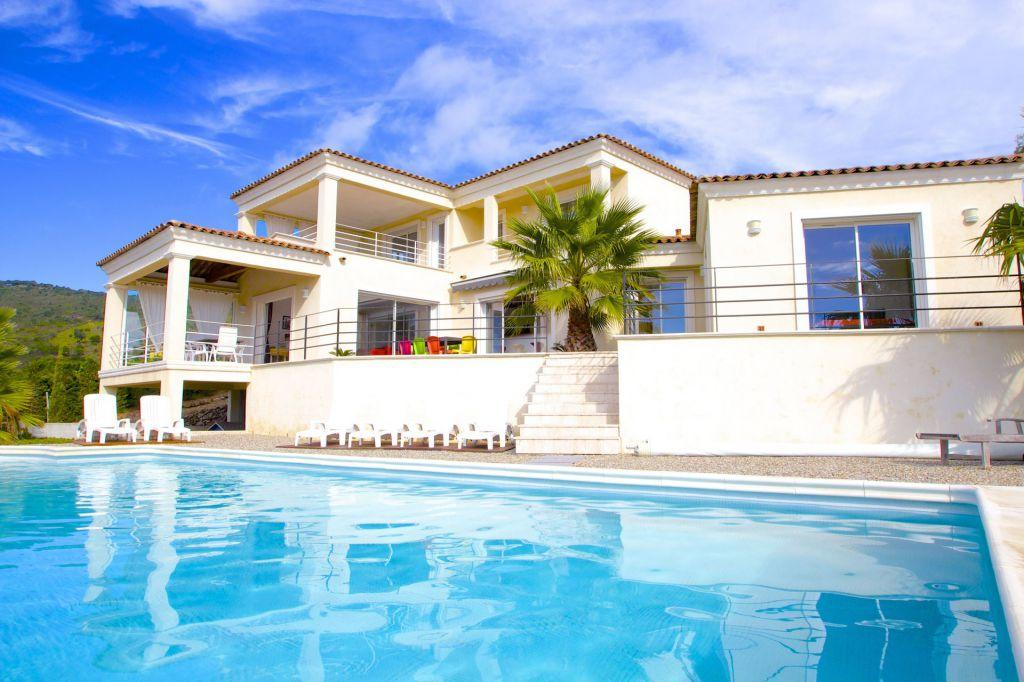 Villa for sale in Les Issambres, Array...