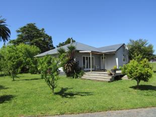 3 bedroom home for sale in 13 Park Road...