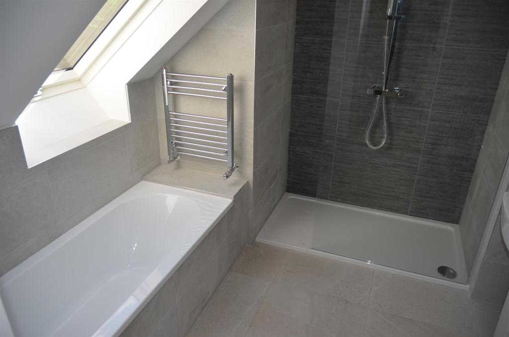 Bathroom/En Suite