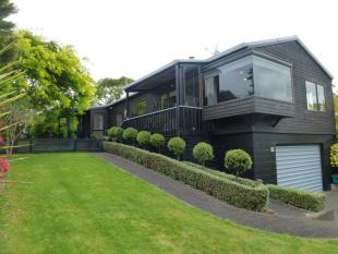 3 bedroom house for sale in 24 Lindale Street...