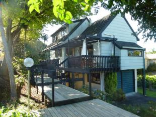 3 bedroom home for sale in 24 Victoria Avenue...