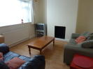 4 bedroom Ground Flat to rent in Cat Hill, East Barnet...