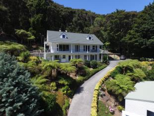 6 bedroom property in 48 Joyces Rd, Paihia 0200