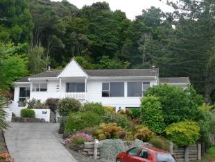 3 bedroom property in 36 School Road...