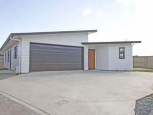 3 bed home in 9 Levi Place...