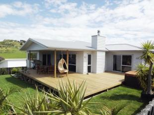 3 bed house for sale in 8 Puka Place, Raglan 3225