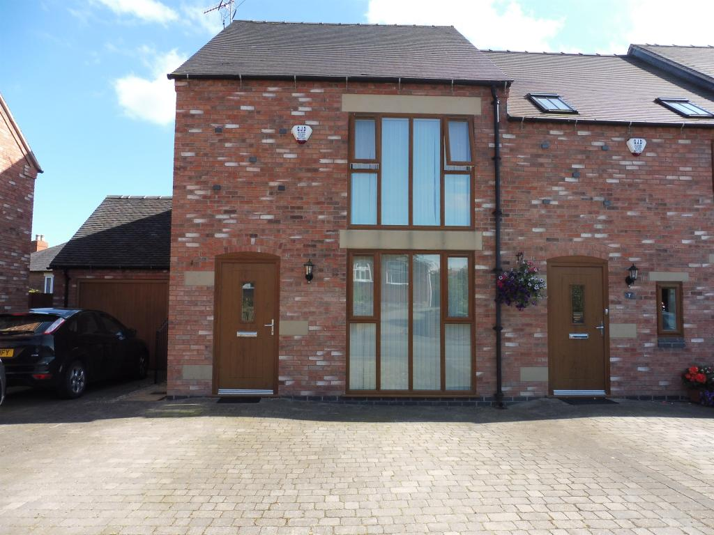 3 bedroom semi detached house for sale in