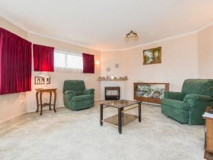 2 bedroom Flat in 87C Springvale Road...
