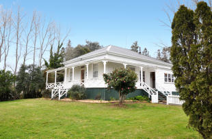 4 bedroom home in 104 Settlement Road...