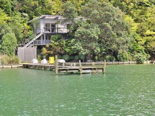 4 bed house in Lot 2 North Cove...