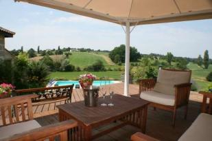 9 bed Country House for sale in Monbahus, Aquitaine...