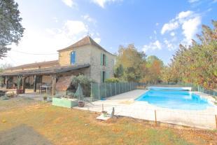 3 bedroom property in Lauzun, Lot et Garonne...