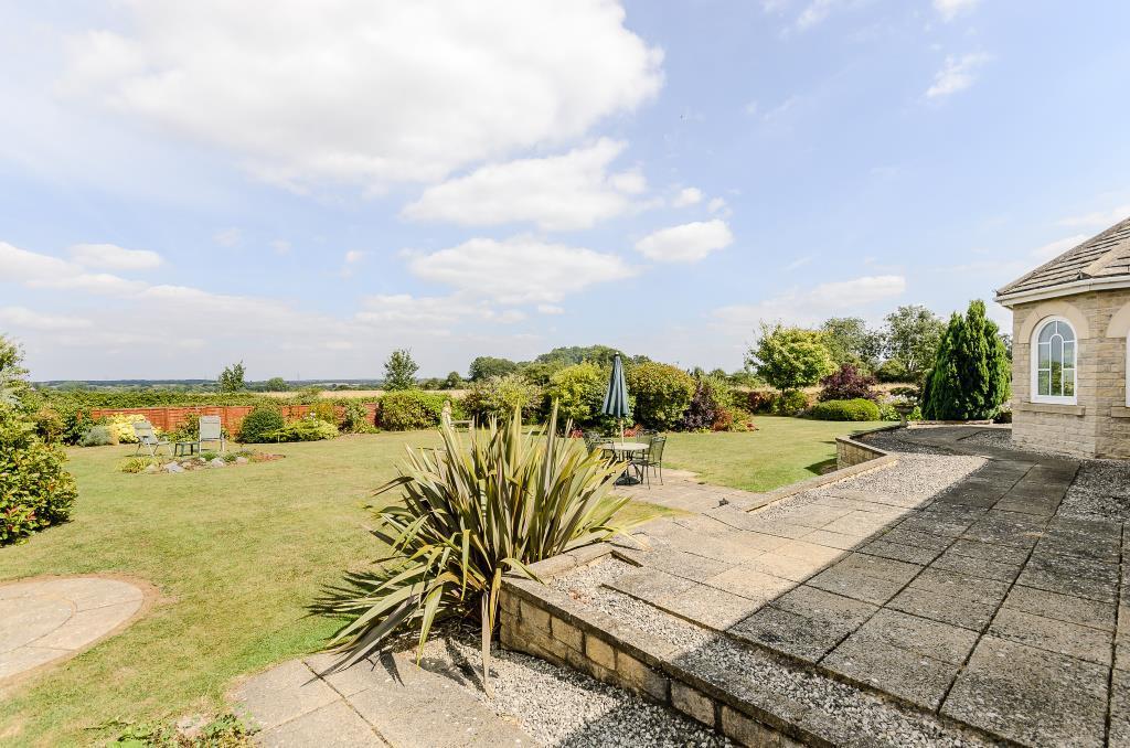 Garden & Patio View