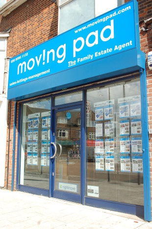 Moving Pad, Dagenhambranch details