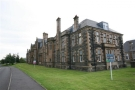 Flat to rent in CROOKSTON - Parklands...