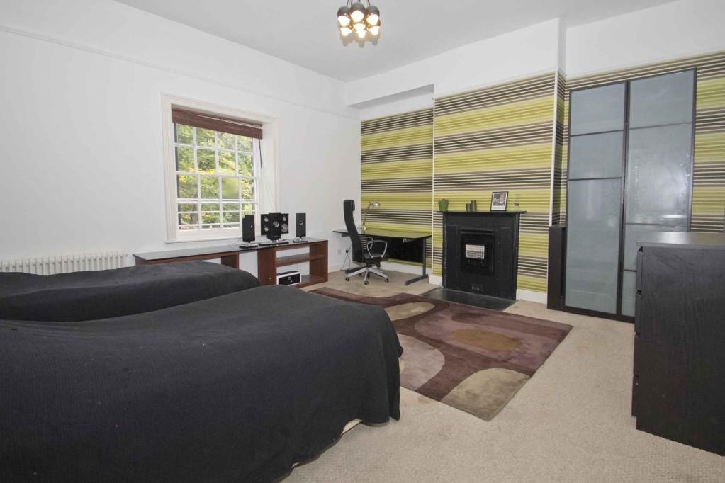 Black feature wall bedroom design ideas photos for Black feature wall bedroom