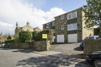 Flat in Churchgate, Bramhope...