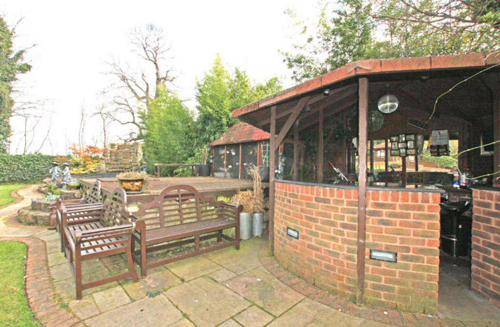 Bar and BBQ Area