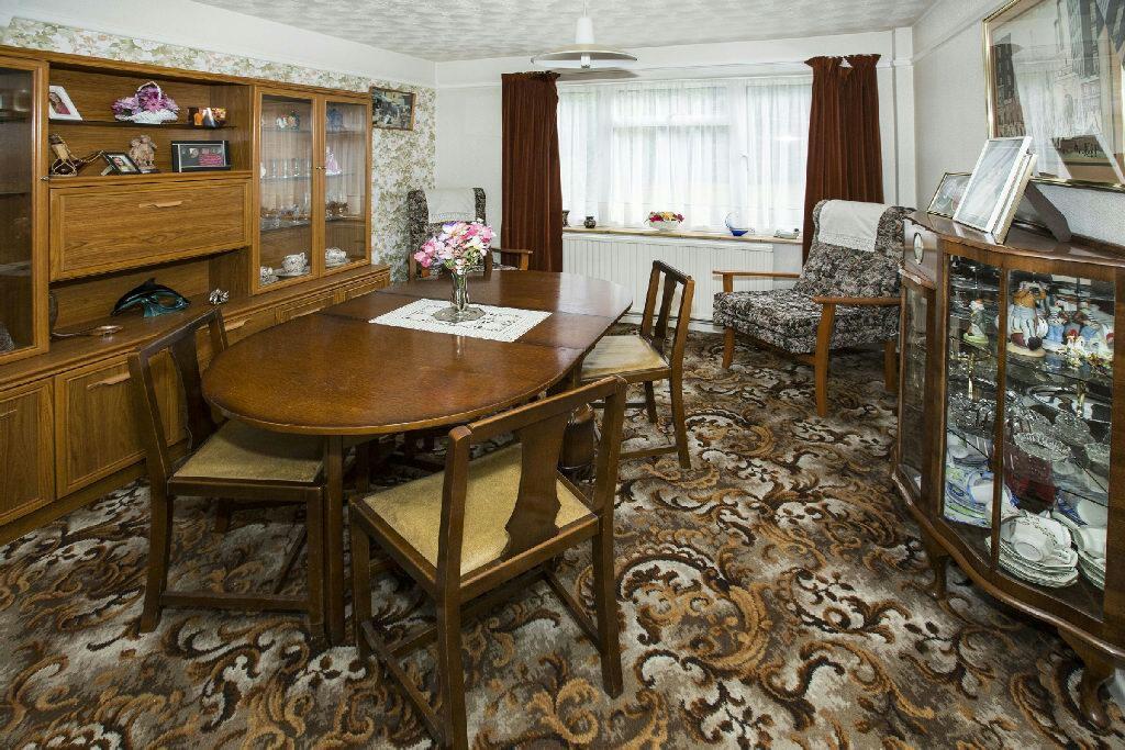 Lounge/Dining Room.