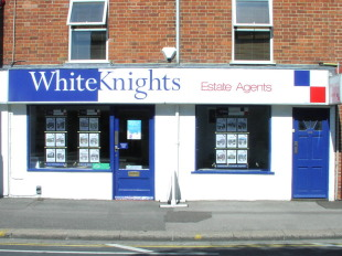 Whiteknights Estate Agents, Earleybranch details