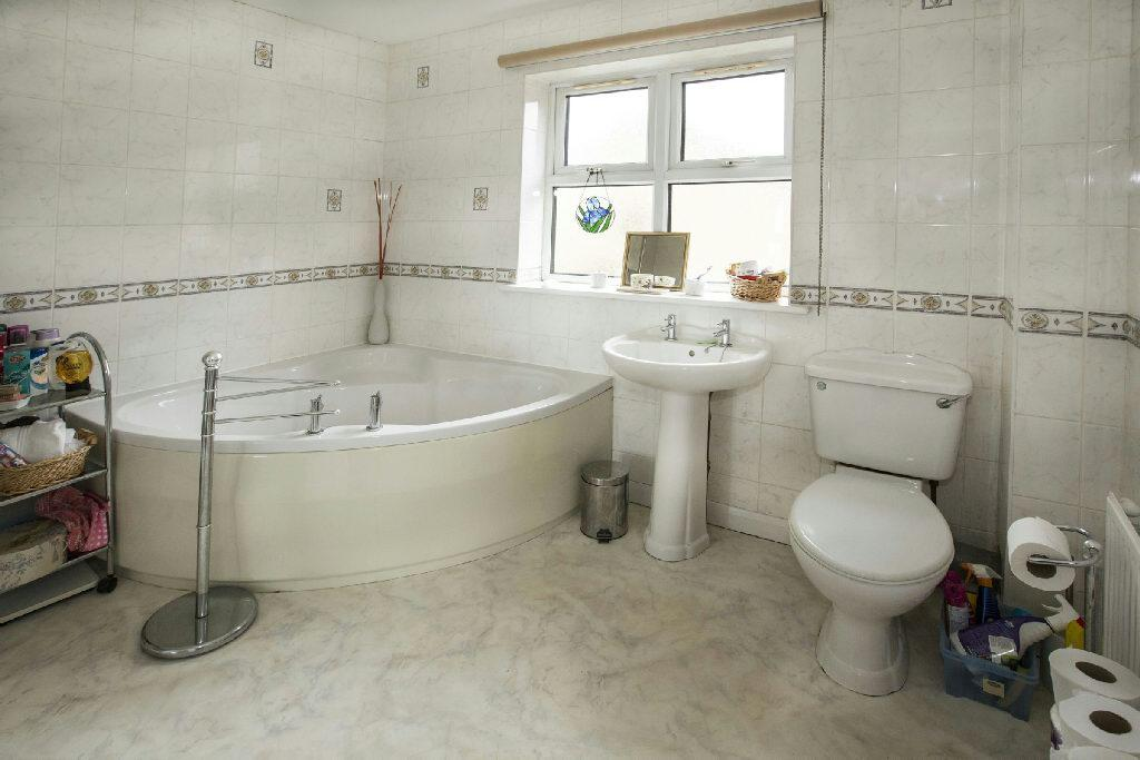Bathroom (Annexe)