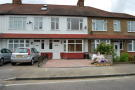 Roding Lane North Terraced property to rent