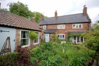 4 bedroom Character Property in Main Street, Hickling