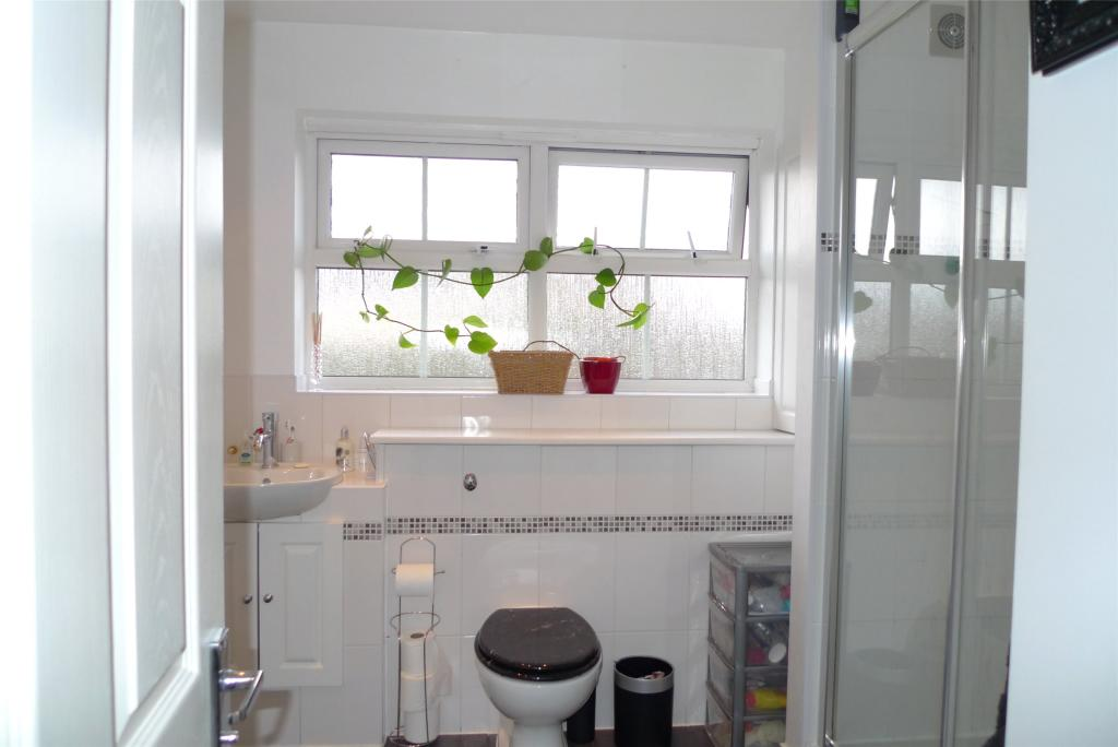 bedroom detached house for sale in Victoria Road, Haverhill, Suffolk