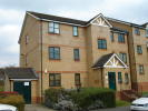 Flat to rent in Lovegrove Drive, Slough