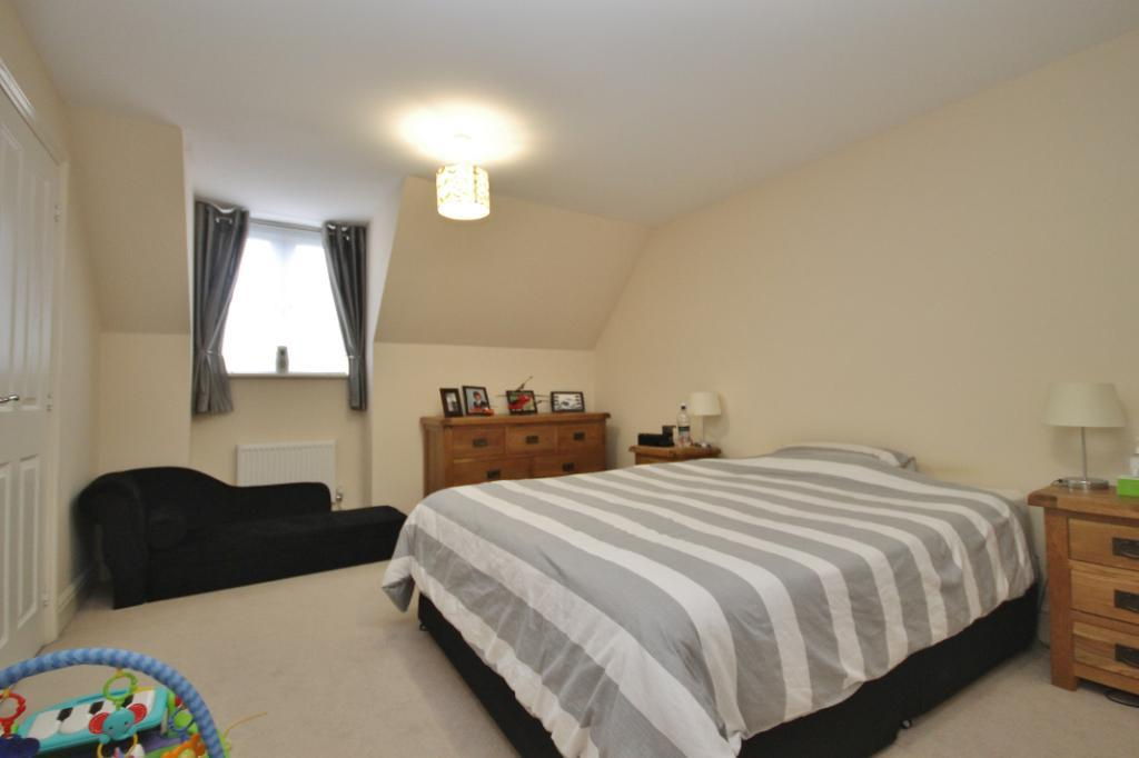 4 Bedroom Terraced House To Rent In Convent Close Woking Gu22 Gu22
