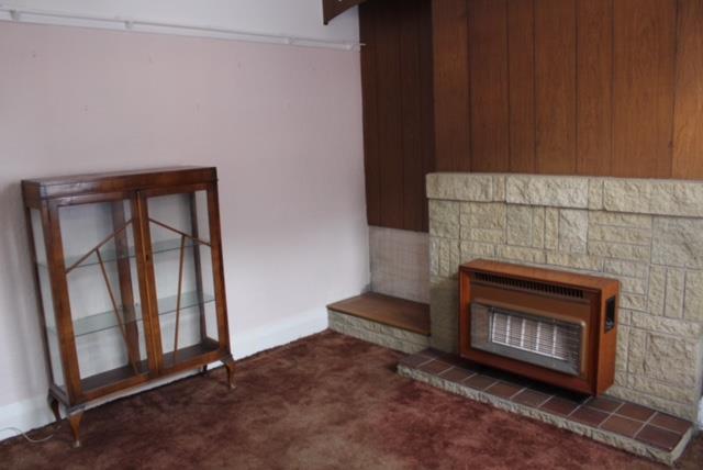 lounge1N.JPG