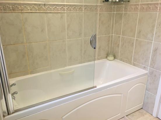 bathroom1N.JPG