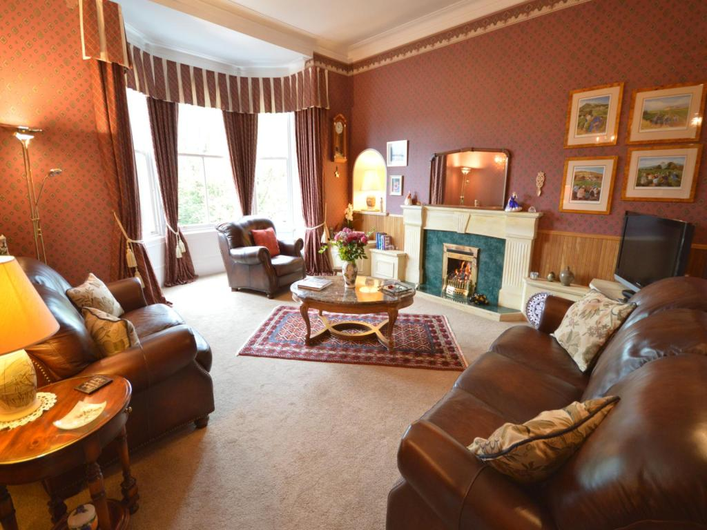 5 bedroom house for sale in townsend place kirkcaldy ky1 for Living room kirkcaldy