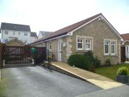 3 bed Detached Bungalow in Limepark Crescent, Kelty...