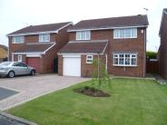4 bedroom Detached property for sale in Lyndale Avenue...