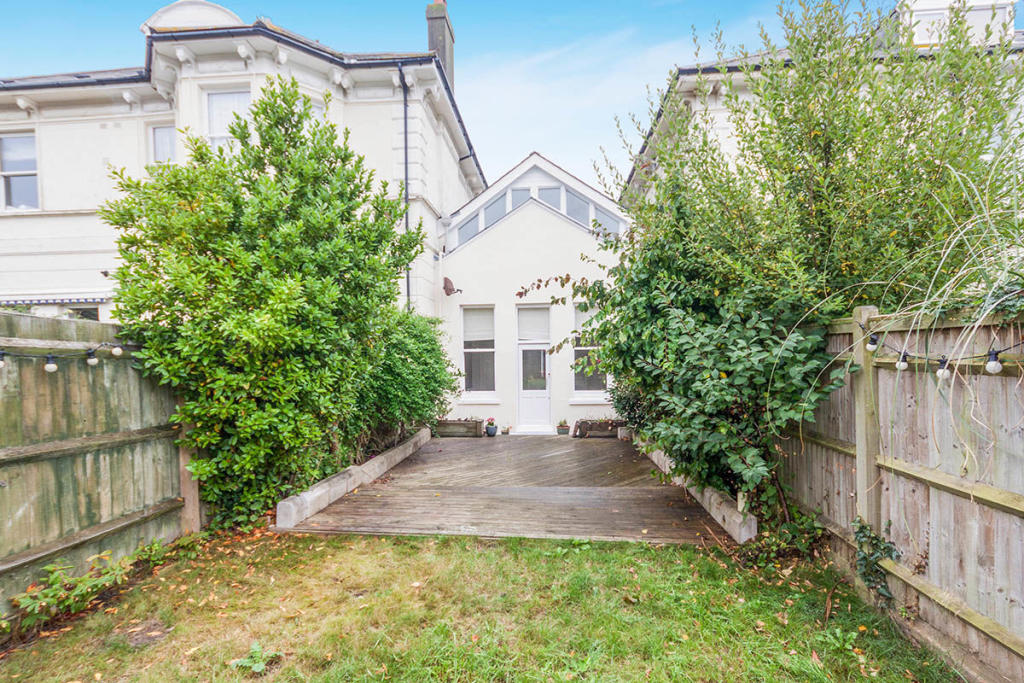 3 bedroom property for sale in Holmesdale Gardens ...