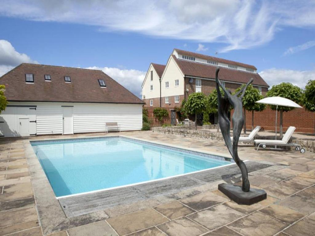 6 Bedroom House For Sale In Nash Oast Marden Thorn Marden Tonbridge Tn12 Tn12