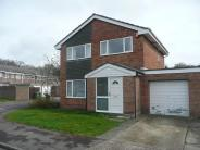3 bedroom Detached home in Woodhall Way, Fareham...