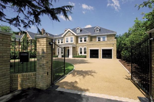 6 bedroom detached house for sale in burntwood avenue for Six bedroom house for sale