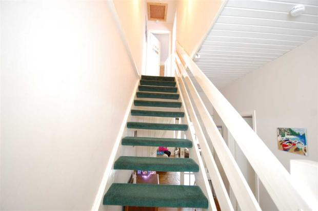 STAIRCASE/ UPPER