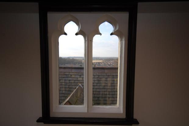 ATTRACTIVE WINDOW