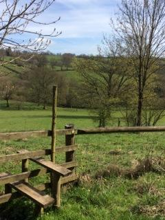 STILE TO FRONT FIELD
