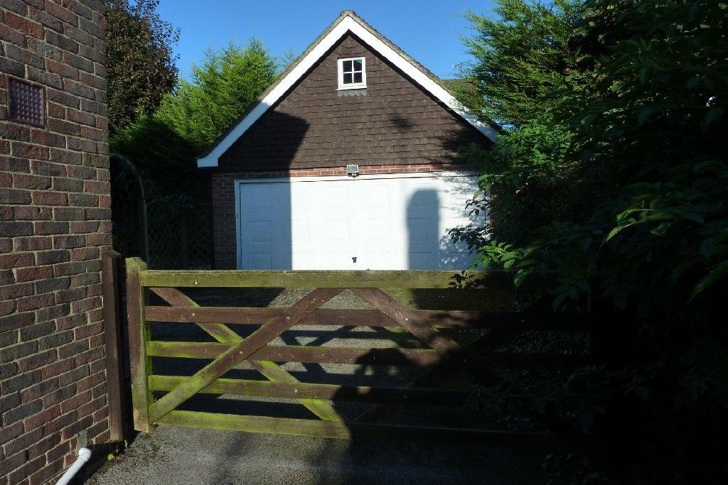 GATE TO GARAGE