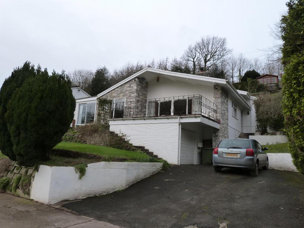 3 bedroom detached bungalow for sale in swiss cottage for Cottages and bungalows for sale