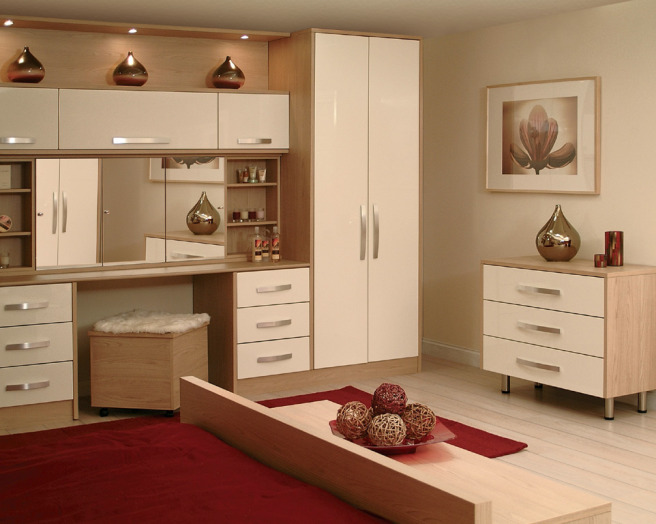 Premier kitchens design ideas photos inspiration for Red cream bedroom designs
