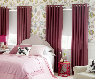 Colourful bedroom design ideas photos inspiration for Bright pink wallpaper uk