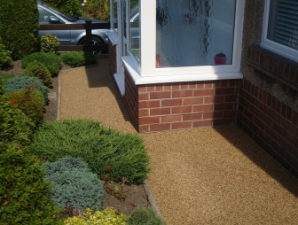 photo of diy kit resin bound gravel permaslab sureset garden wiltshire with hard-wearing pathways stencil and environmentally friendly paving permeable paving porous paving resin bound suds surecell tradepack uv stable