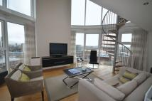 2 bed Apartment in PENTHOUSE. Angel Lane...